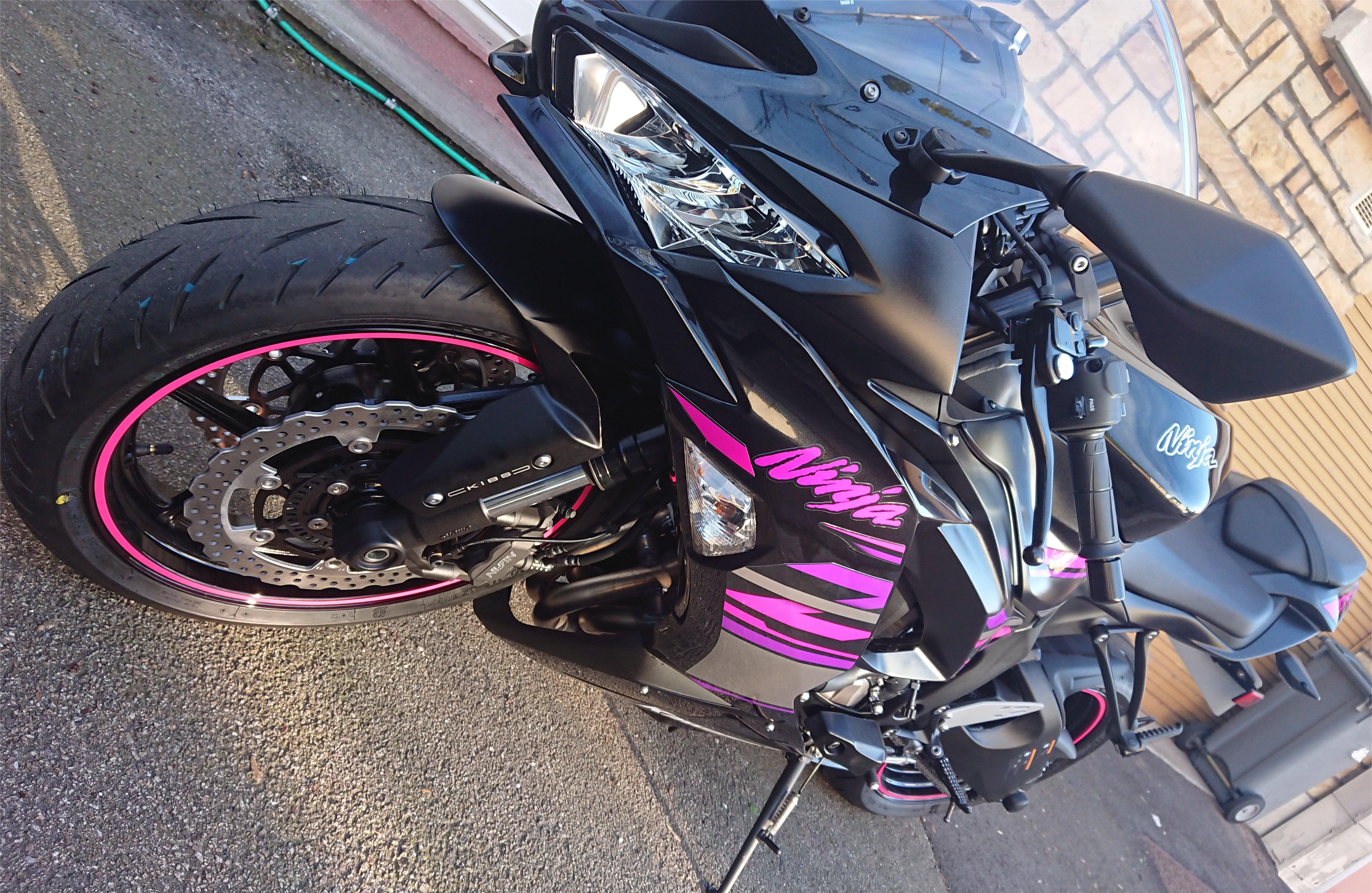 636 - 2019 - Pink KRT Zx6R-3